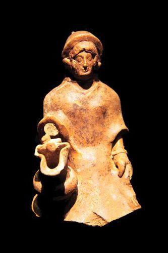 796f1 Cruche à représentation humaine (480-310 avt JC)