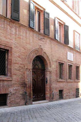 915f2 Biagio Biagetti et Cesare Lombroso ont vécu ici