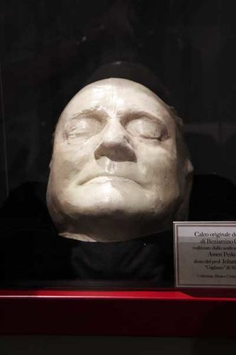 917k1 masque mortuaire du ténor Gigli