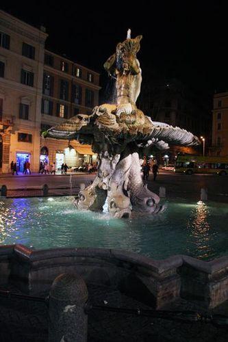 354e Rome, fontaine du Triton