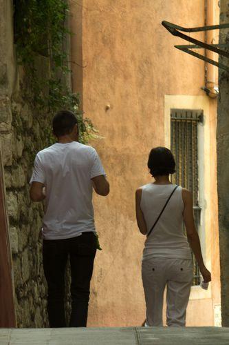 Couple dans le vieux Nice