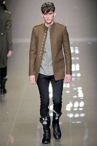 100117-defile-burberry-milan-2011-.aspx ss image 00030m
