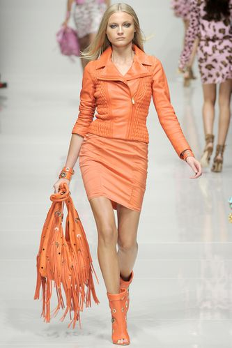 Total-look-orange-Blumarine.jpg