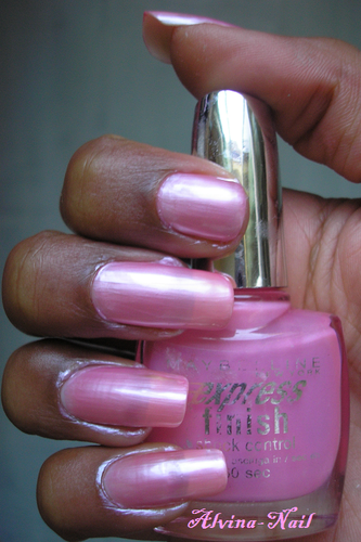 Maybelline-expresse---Sucre-rose2-Alvina-Nail.png
