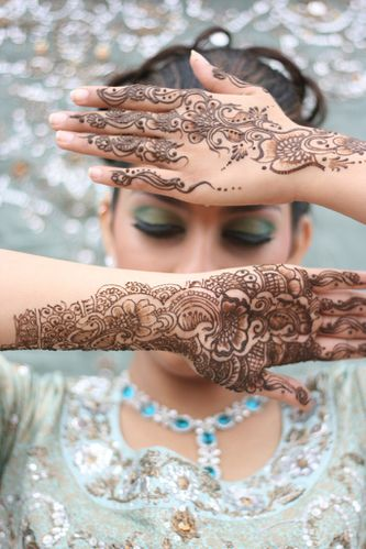 Simple-Eid-Mehndi-Designs-for-Hands-Mehndi-For-Eid-1.jpg