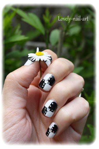 nail-art-damier-noir-et-blanc-1.jpg