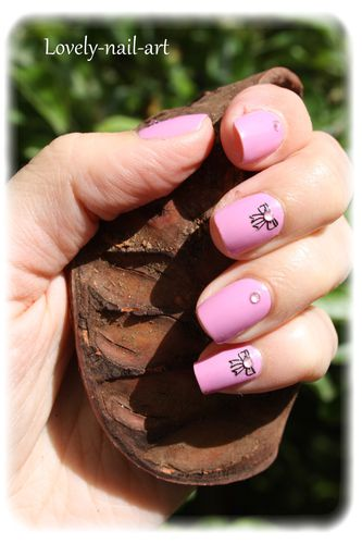 nail-art-noeud-rose-4.jpg