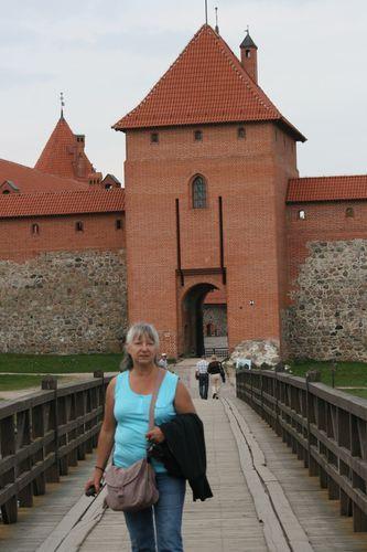 Trakai-11-septembre-entree-du-chateau.jpg