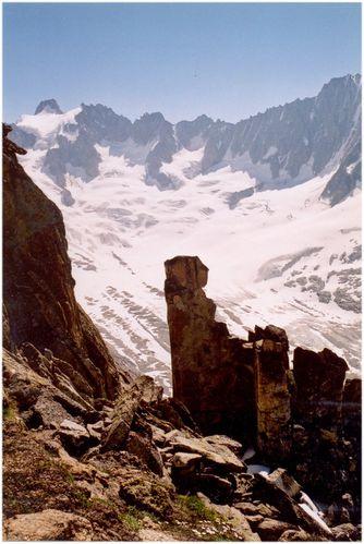 Gendarme---Aiguille-du-Moine---31-Juillet-2001-2.jpg