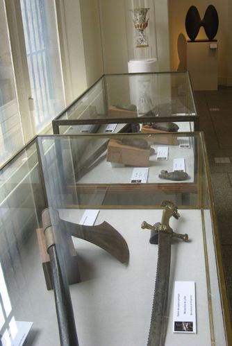 musee armures 14- avril 2012-vitrines
