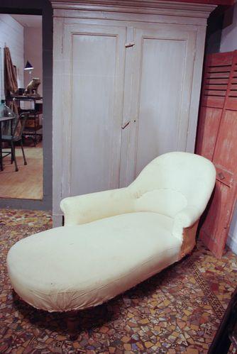 meridienne de style niii vendue le blog du marchand d. Black Bedroom Furniture Sets. Home Design Ideas