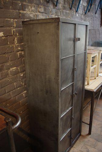 meuble industriel d 39 usine vendu le blog du marchand d. Black Bedroom Furniture Sets. Home Design Ideas