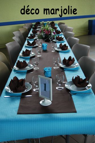 Table bleu et marron for Decoration de table bleu
