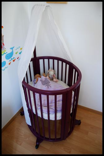 un cocon douillet pour b b mais pas que lit volutif sleepi de stokke cerise sur le berceau. Black Bedroom Furniture Sets. Home Design Ideas