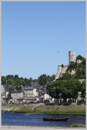 Chateau-prive-forteresse-Chinon 4337