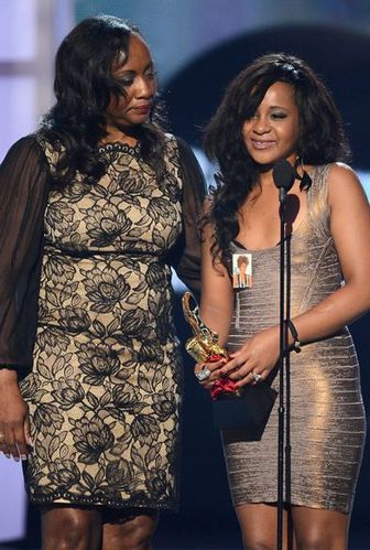 whitney-houston-show-billboard-music-award-2012.JPG