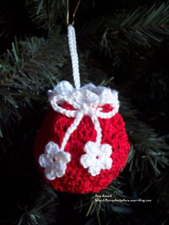 bourse-noel-cadeau-decoration-crochet