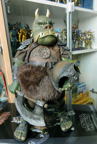 GAMORREAN GUARD SIDESHOW SW 4