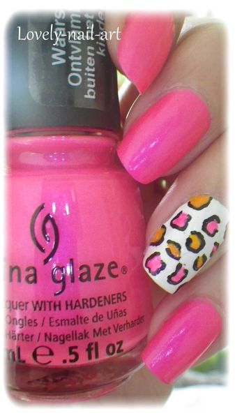 China-Glaze---pink-voltage--neon--7.jpg