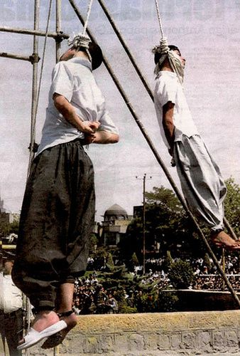 iran-gay-teens-hanging.jpg
