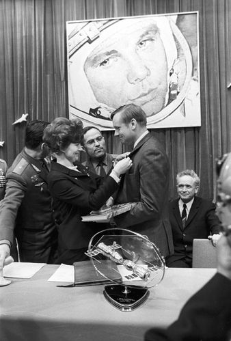 RIAN archive 837790 Valentina Tereshkova and Neil Armstrong