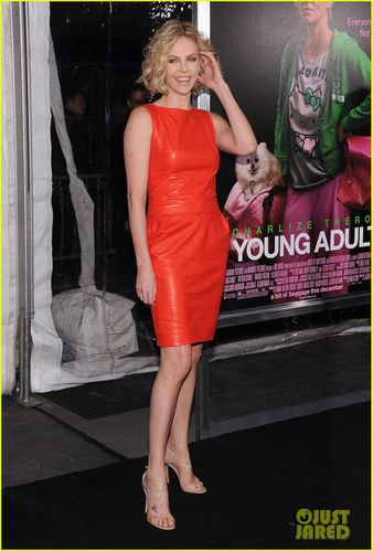 charlize-theron-young-adult-nyc-premiere-03