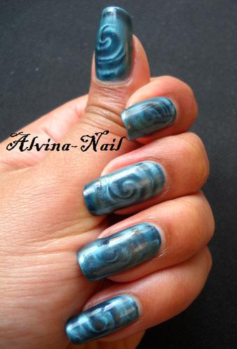 kiko-magnetique-bleu-spiral2-Alvina-Nail.png