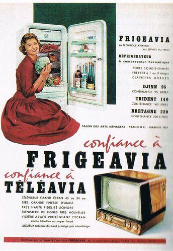 pub TV et frigo