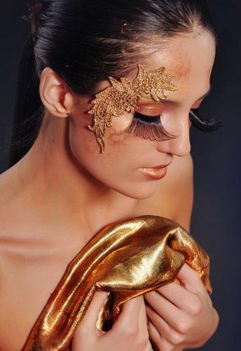 make-up-gold-144536_L.jpg