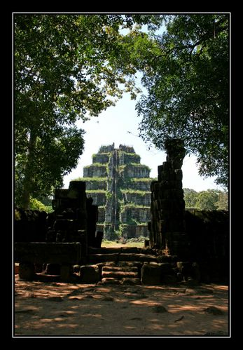 Prasat Tom03