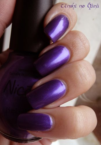 Nicole by opi Virtuous Violet 1