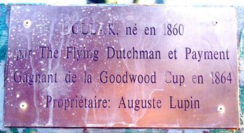 IMGP0497-Cheval-Dollar-plaque-copie-1.jpg