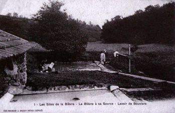 IMGP6342 La Bièvre à sa source Lavoir de Bouviers r
