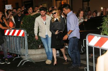 20130821-pictures-madonna-hard-candy-fitness-center-rome-05.jpg