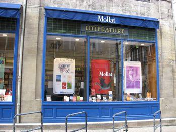 Vitrine Librairie Mollat Bordeaux 374