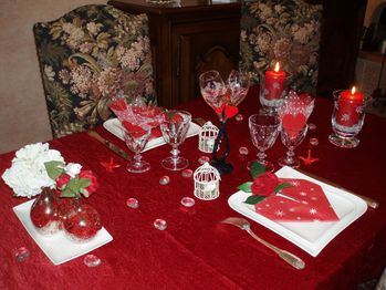 Tables en fete des id es et du temps for Decoration porte st valentin