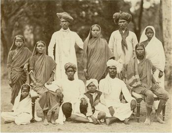Mahratta-Family-Group-Photograph----India-c1880.jpg