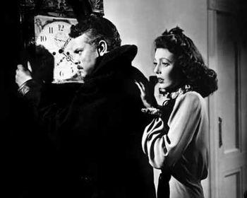 Le-Criminel---Orson-Welles-et-Loretta-Young-1.jpg