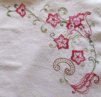 Super Un napperon broderie au point de tige - Jaffy-Fleur de Lys TZ28