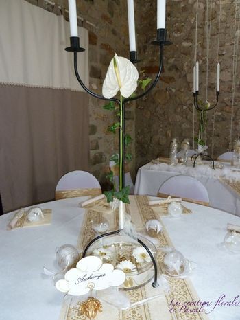 Chandelier centre de table mariage r cr ation florale for Chandelier centre de table