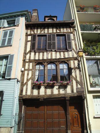 Troyes : maison à pans de bois