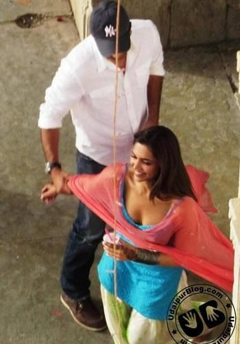 Ranbir-and-Deepika-on-the-sets-of-Yeh-Jawani-Hai-Dewaani.jpg