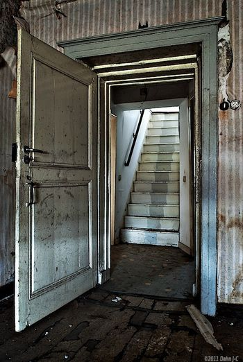 stairs_behind_the_door_by_zerberuz-d4l2w9a.jpg