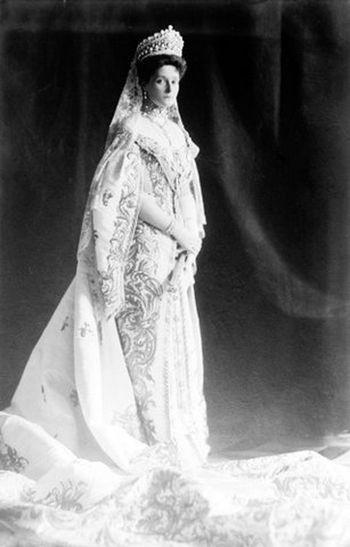 alexandra-fedorovna-1906-2-copie-1.jpg