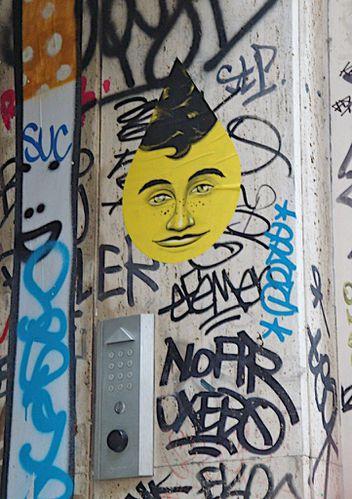 street-art visage goutte Montmartre 7