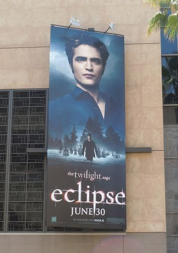 Twilight-Eclipse-Edward-billboard.jpg