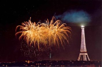 Pasaje al infierno, Laurent Botti Tour-Eiffel-feu-d-artifice