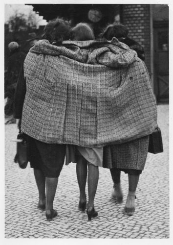 Friends, Berlin, 1930