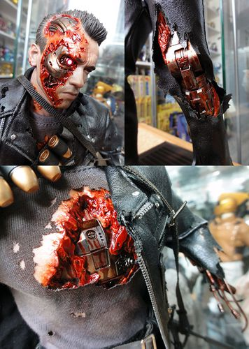 HOT TOYS T-800 TERMINATOR DX 3