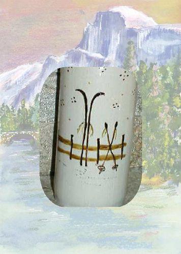 bouteille en gr s decor vieux skis alpins f es des montagnes. Black Bedroom Furniture Sets. Home Design Ideas